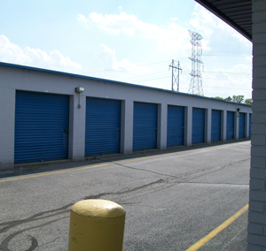 7937 W 10th St Indianapolis, IN 46214 - Drive-up Units