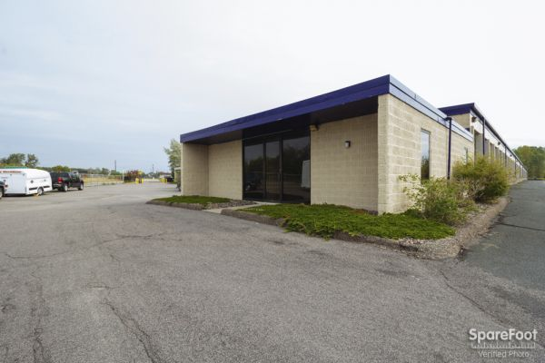 3238 North Highway 61 Vadnais Heights, MN 55110 - Storefront