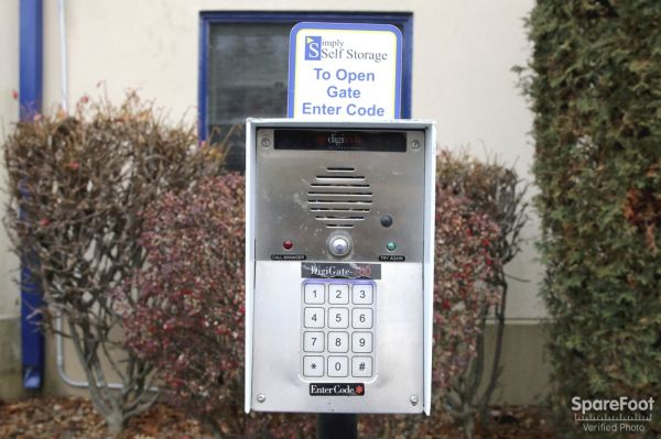 102 Broadway Lynnfield, MA 01940 - Security Keypad