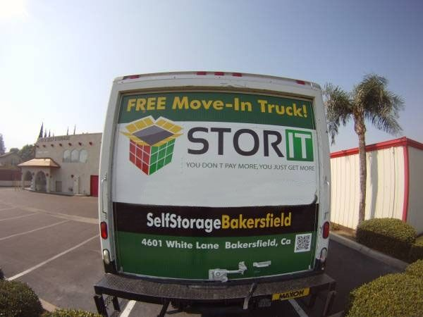 4601 White Ln Bakersfield, CA 93309 - Moving Truck