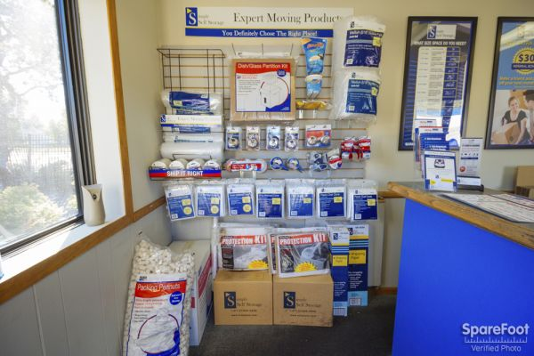 9154 University Ave NW Coon Rapids, MN 55448 - Moving/Shipping Supplies