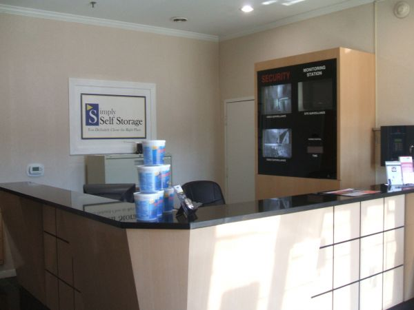 181 W Marshall St Ferndale, MI 48220 - Front Office Interior