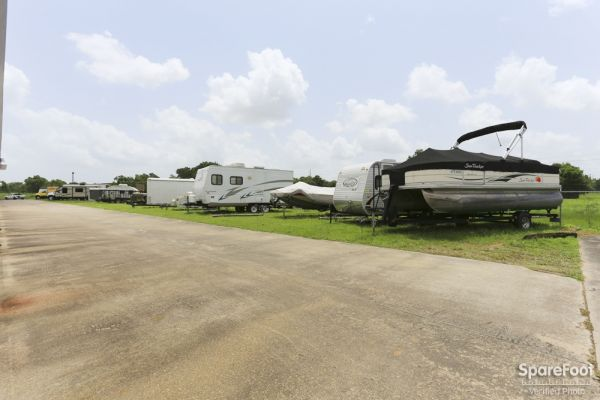 826 Hwy 3 South League City, TX 77573 -