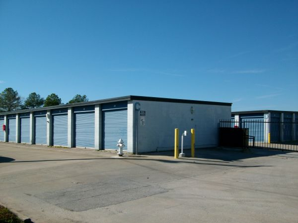 1744 Cobb Parkway SE Marietta, GA 30060 - Drive-up Units