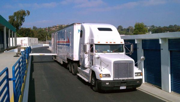 533 Stevens Ave W Solana Beach, CA 92075 - Drive-up Units|Moving Truck