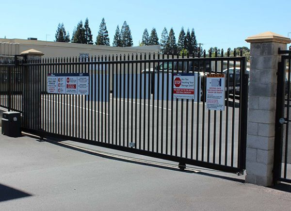 1126 Saranap Avenue Walnut Creek, CA 94595 - Security Gate