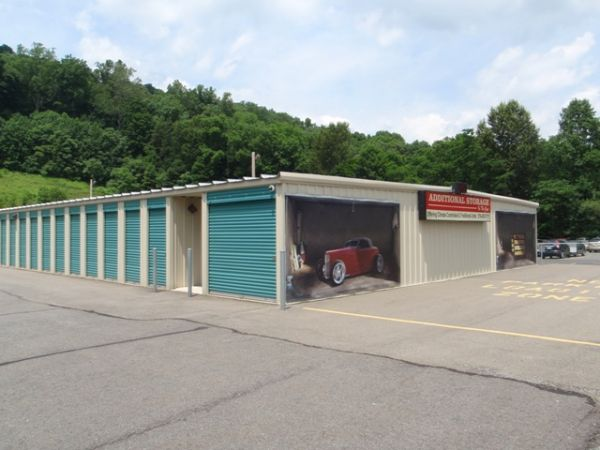 1075 Foxtown Hill Road Delaware Water Gap, PA 18327 - Drive-up Units