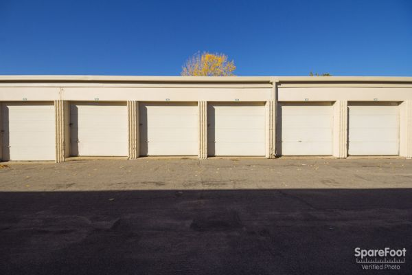 251 5th St NW New Brighton, MN 55112 - Drive-up Unit