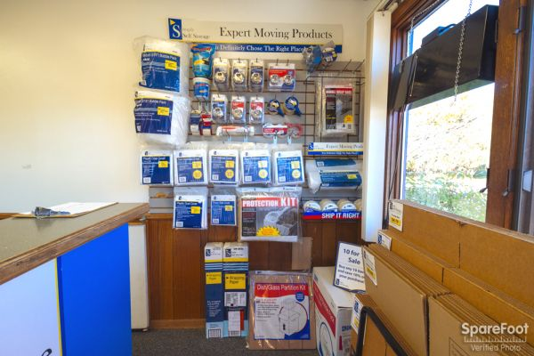 251 5th St NW New Brighton, MN 55112 - Moving/Shipping Supplies