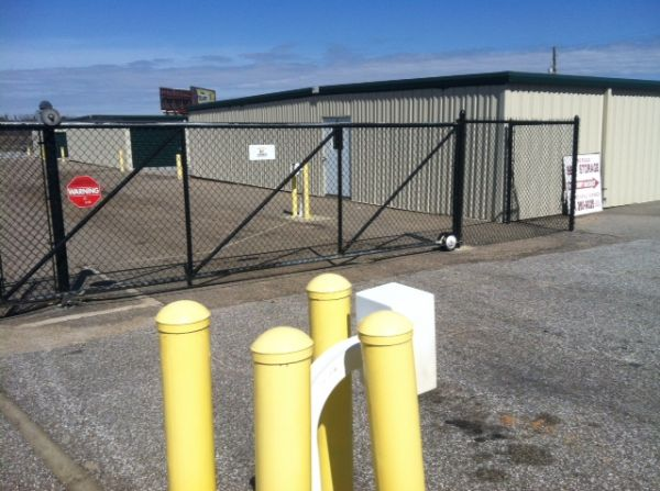 11233 Us-80 Montgomery, AL 36117 - Security Gate