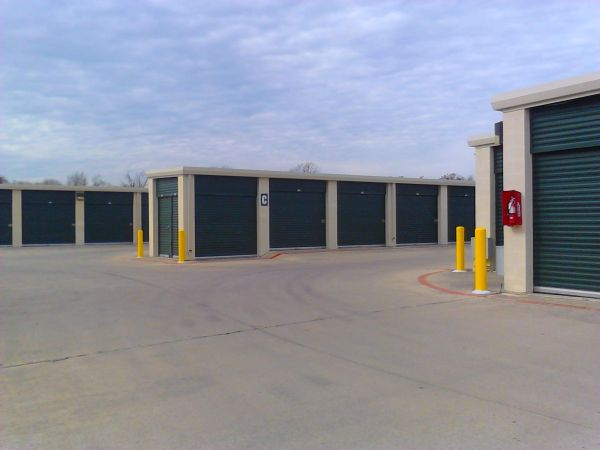 3567 Fredericksburg Rd San Antonio, TX 78201 - Drive-up Units