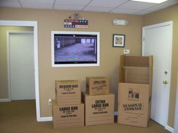 10505 Hwy 64 Arlington, TN 38002 - Moving/Shipping Supplies