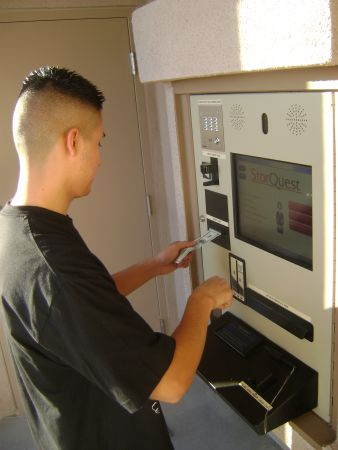 3707 S Hill St Los Angeles, CA 90007 - Rental Kiosk