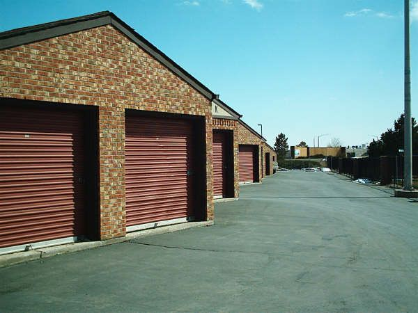 7030 S Jordan Rd Centennial, CO 80112 - Drive-up Units