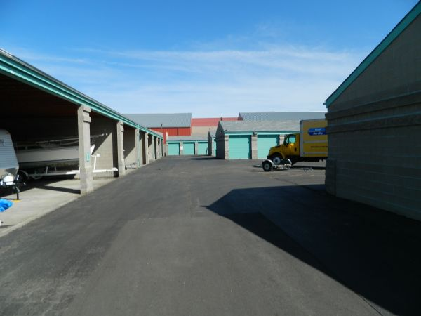 18601 Longs Way Parker, CO 80134 - Driving Aisle|Drive-up Units