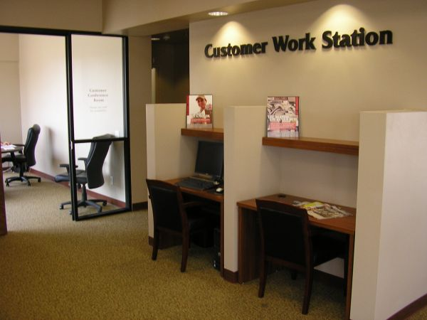 12821 W Jefferson Blvd Los Angeles, CA 90066 - Front Office Interior