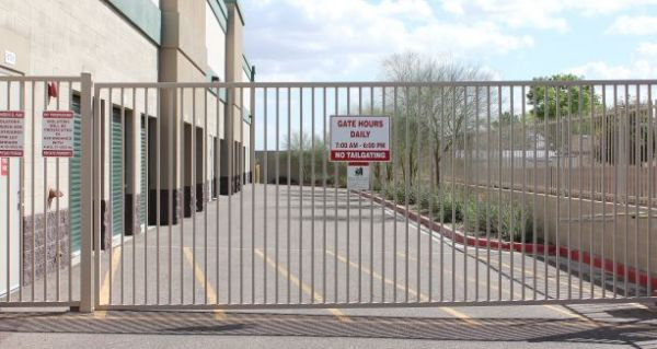 10461 N 99th Ave Peoria, AZ 85345 - Security Gate