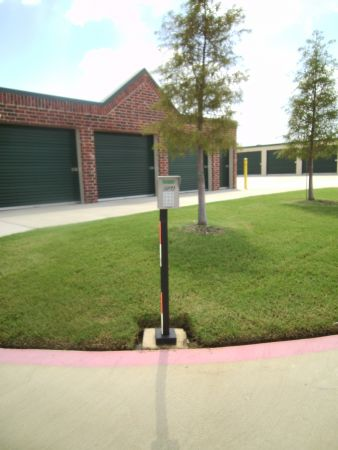 520 Blake Street Denton, TX 76208 - Drive-up Units