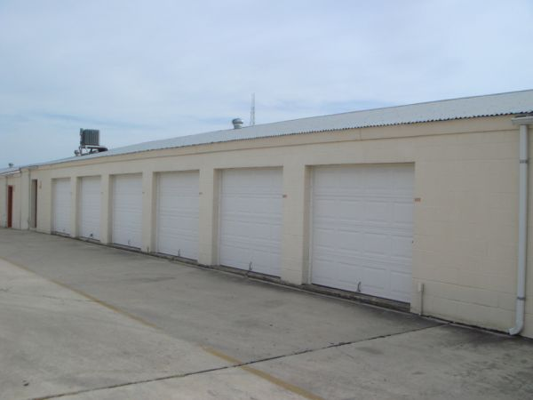3500 Eisenhauer Rd San Antonio, TX 78218 - Drive-up Units