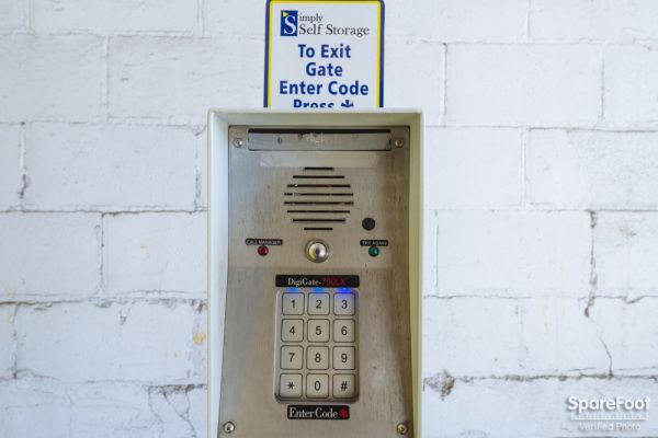 4325 Hiawatha Ave Minneapolis, MN 55406 - Security Keypad