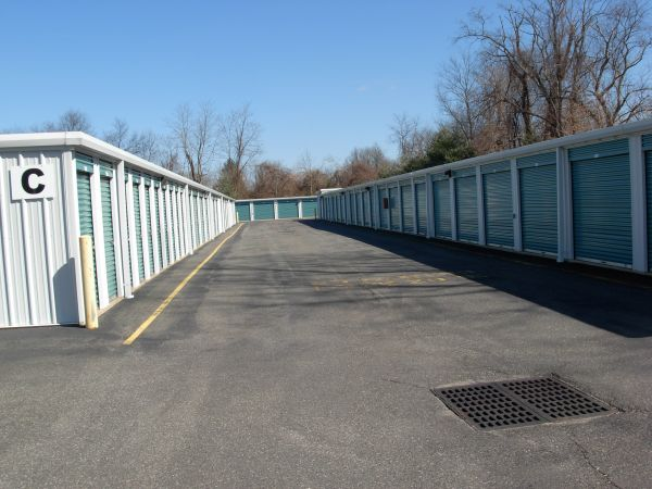 933 RT-33 Freehold, NJ 07728 - Drive-up UnitS