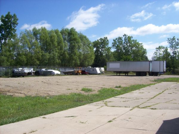 4170 Commerce Dr Flushing, MI 48433 - Car/Boat/RV Storage