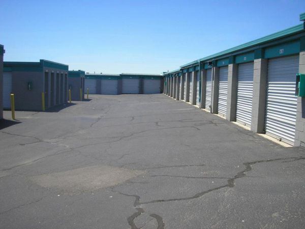 4715 McLeod Rd NE Albuquerque, NM 87109 - Drive-up Units|Driving Aisle