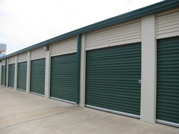 4477 W Northside Dr Jackson, MS 39209 - Drive-up Units