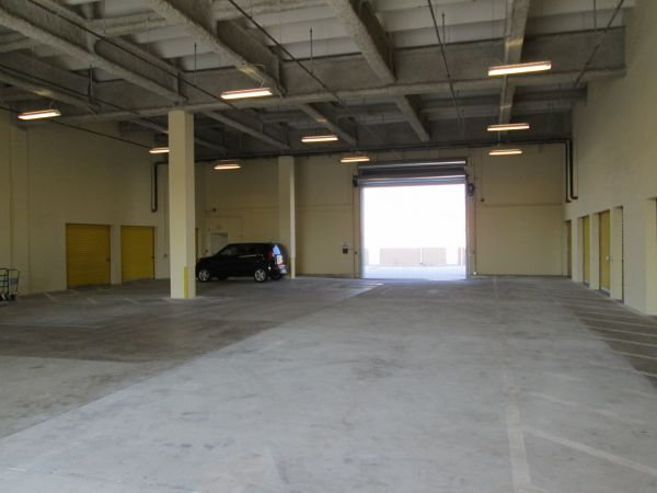 5061 NE 13th Ave Oakland Park, FL 33334 - Car/Boat/RV Storage