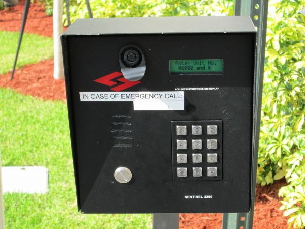5061 NE 13th Ave Oakland Park, FL 33334 - Security Keypad