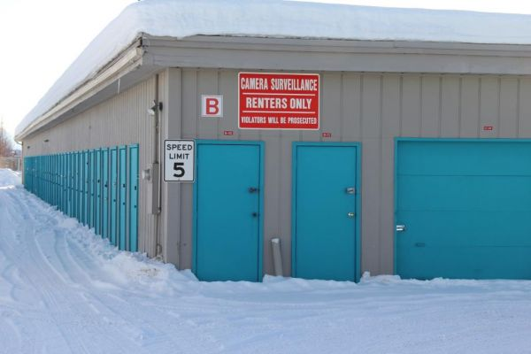 1524 E Dowling Rd Anchorage, AK 99507 - Drive-up Units