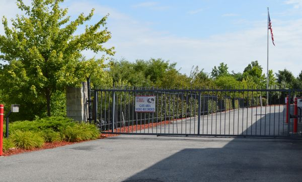 8115 Perry Hills Rd Baltimore, MD 21236 - Security Gate