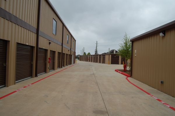 5905 Hwy 6 North  Houston, TX 77084 - Drive-up Units