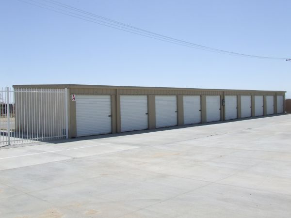 2463 15th Street West Rosamond, CA 93560 - Drive-up Units