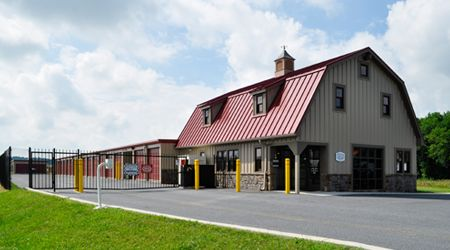 28 Doe Run Road Manheim, PA 17545 - Storefront