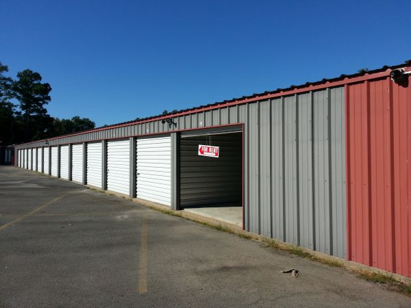 4500 Dollarway Road Pine Bluff, AR 71602 - Drive-up Units