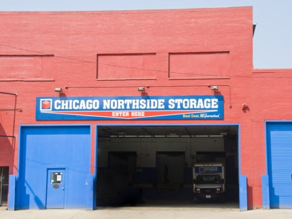 2946 North Western Avenue Chicago, IL 60618 - Drive-up Units|Driving Aisle