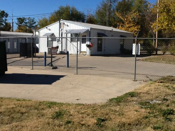 2325 W Shady Grove Rd Springdale, AR 72762 - Security Gate