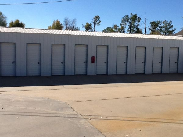 2325 W Shady Grove Rd Springdale, AR 72762 - Drive-up Units