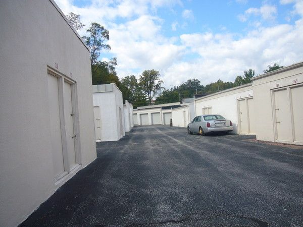 10624 Reisterstown Road Owings Mills, MD 21117 - Drive-up Units