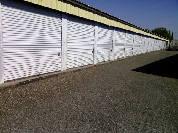 8940 Alder Avenue Sacramento, CA 95828 - Drive-up Units