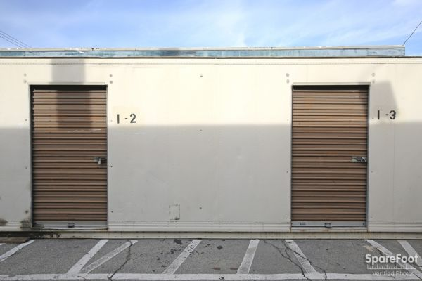 3202 East Foothill Boulevard Pasadena, CA 91107 - Drive-up Units