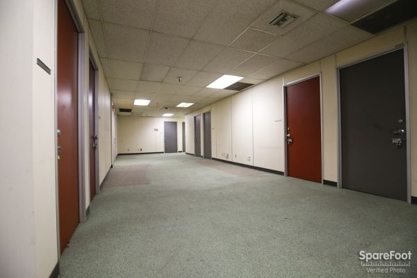 3202 East Foothill Boulevard Pasadena, CA 91107 - Drive-up Units|Interior Hallway