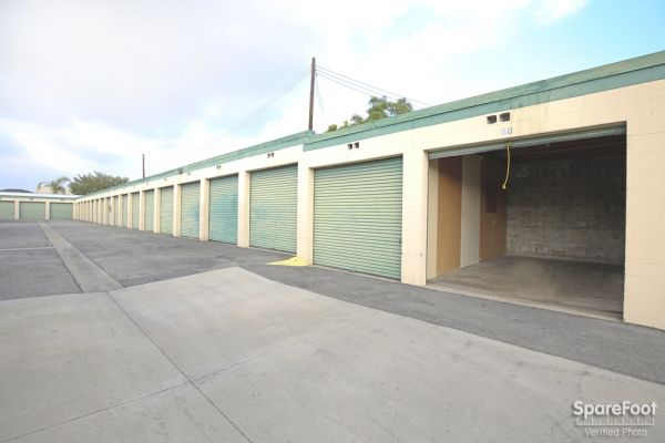 14822 Lakewood Blvd Bellflower, CA 90706 - Drive-up Units