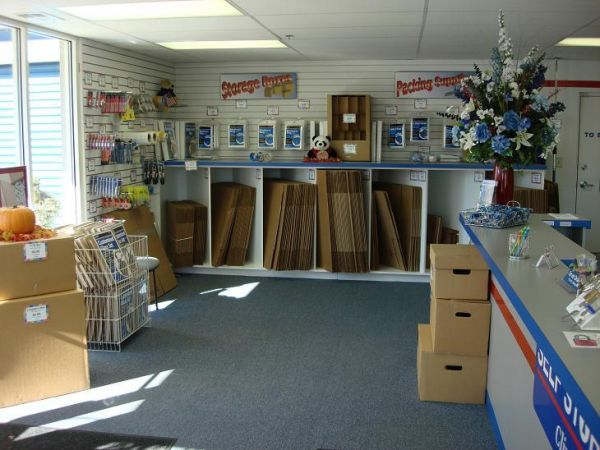 790 Maryland Route 3 S Gambrills, MD 21054 - Moving/Shipping Supplies|Front Office Interior