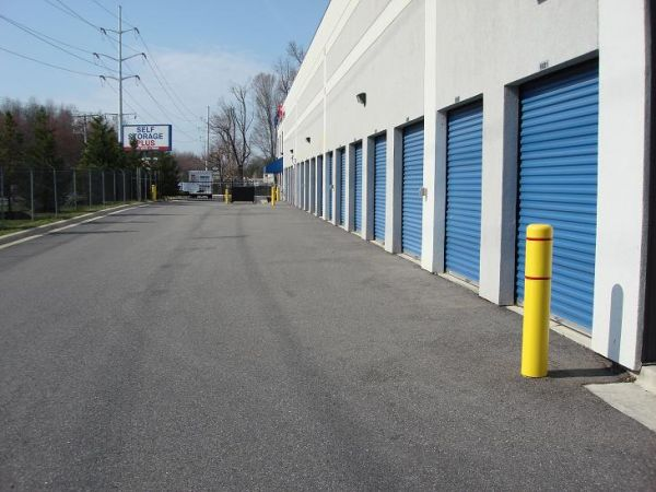 790 Maryland Route 3 S Gambrills, MD 21054 - Driving Aisle|Drive-up Units