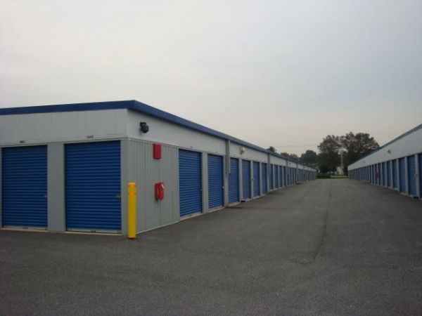 201 Stauffer Court Walkersville, MD 21793 - Drive-up Units|Driving Aisle