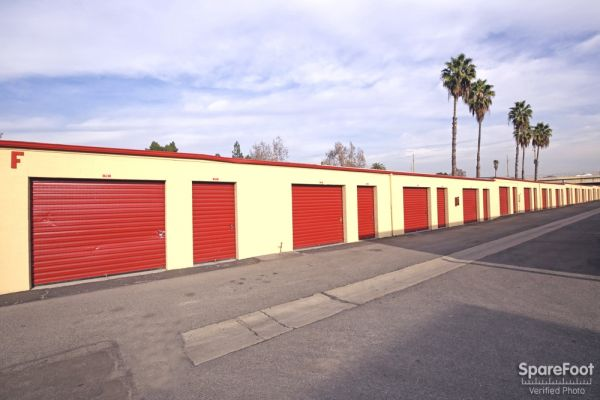 620 N Heliotrope Drive Los Angeles, CA 90004 - Drive-up Units