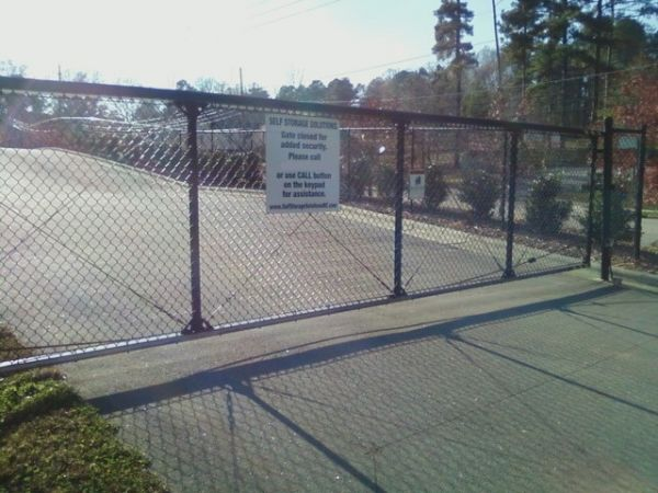 5306 Old Wake Forest Rd Raleigh, NC 27609 - Security Gate|Drive-up Units|Driving Aisle