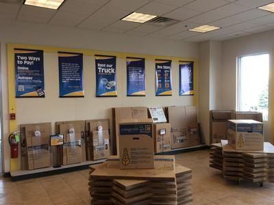 11525 184th Pl Orland Park, IL 60467 - Moving/Shipping Supplies